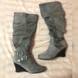 Shoes - NEW • Western-style boots
